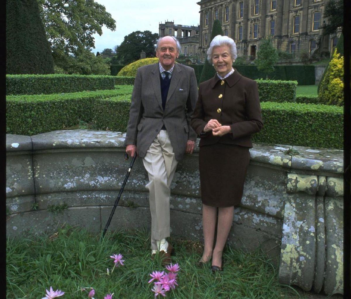 Debo, Mitford, Cavendish, Devonshire Duchess, Housewife 1920 – 2014